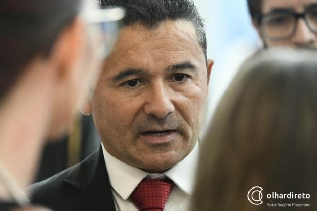 João Batista relata problemas com prefeitos para vacinação da segurança pública