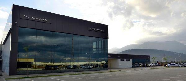 Land Rover inaugura fábrica no Rio de Janeiro, a primeira da marca inglesa na América Latina