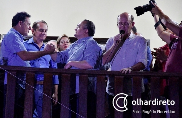 """Presidente do PSDB garante partido """"110% fechado com Taques"""" e nega recuo de Leitão"""
