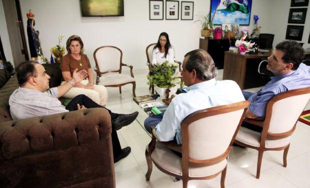 Lucimar Campos e secretários receberam Francisco Vuolo, do Fórum Pró Ferrovia