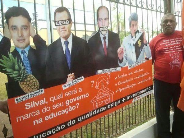 Governo reapresenta mesma proposta a professores em greve mas autoriza envio de mensagem à AL