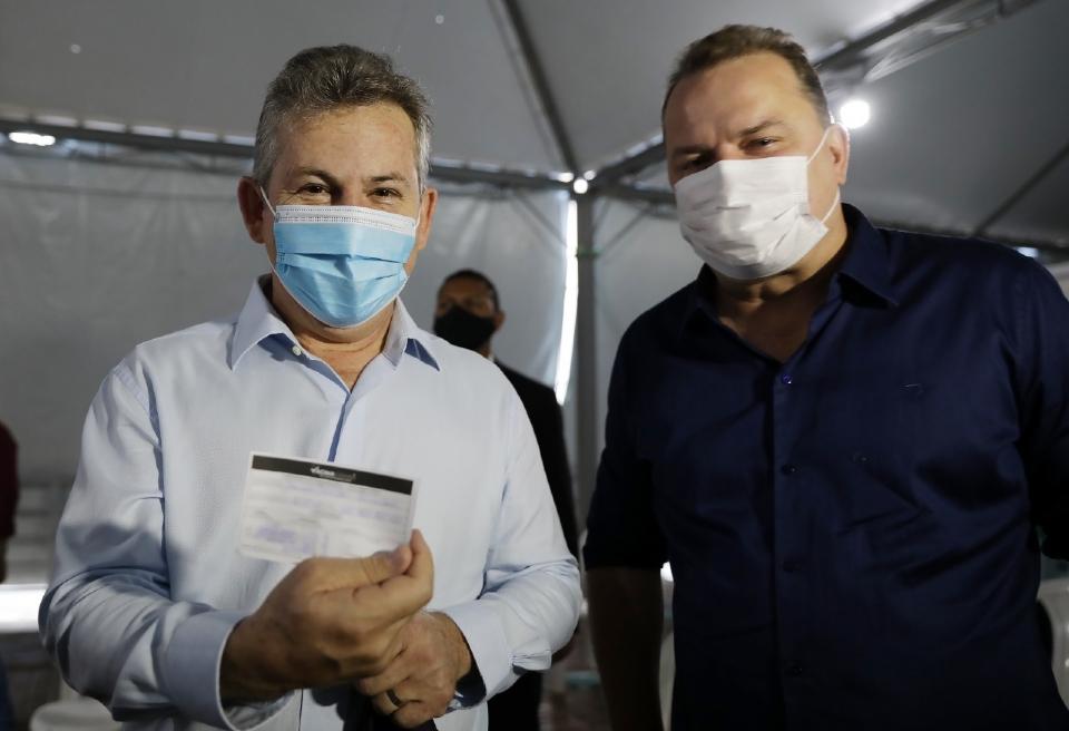 O governador Mauro Mendes ao lado do presidente da ALMT, Max Russi
