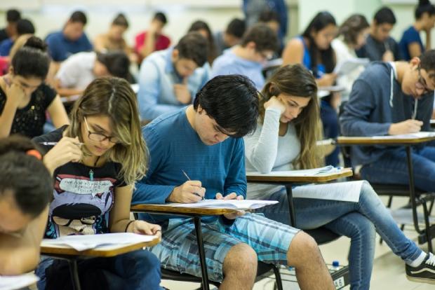 Colégio Maxi realiza concurso de bolsas para pré-vestibular