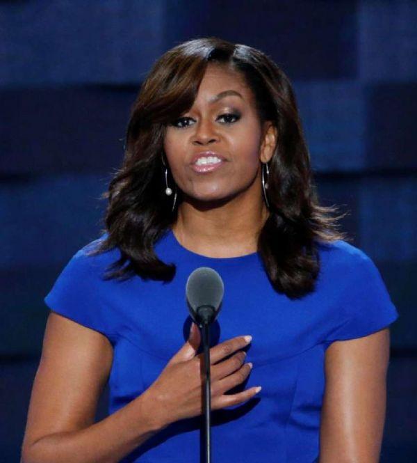 Prefeita renuncia após post racista contra Michelle Obama