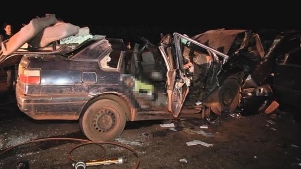 Morre sexta vítima de acidente que envolveu 15 pessoas e vitimou crianças de cinco e sete anos