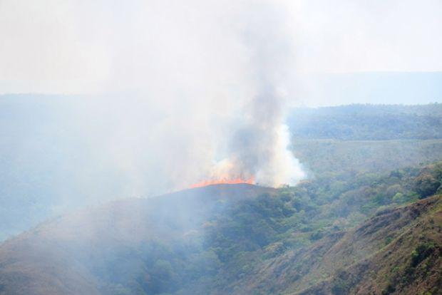 Incêndio em Parque Nacional da Chapada dos Guimarães já atingiu 1.300 hectares;  veja fotos