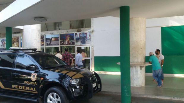 Na Prefeitura de Cuiabá, PF cumpre mandado no gabinete de Emanuel Pinheiro