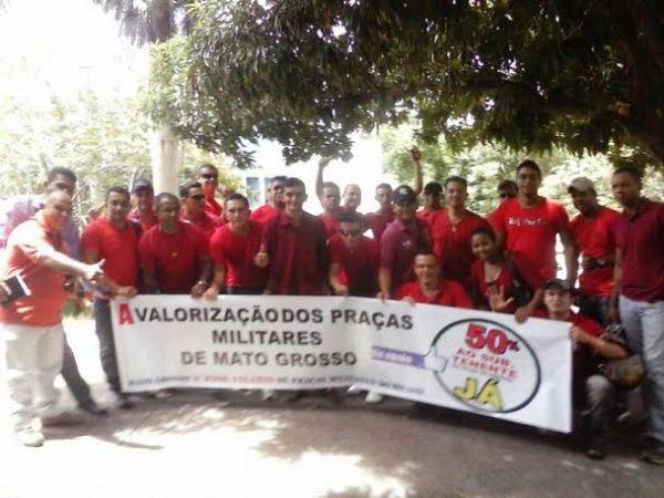 Policias militares aproveitam ano eleitoral e Copa para reivindicar aumento salarial