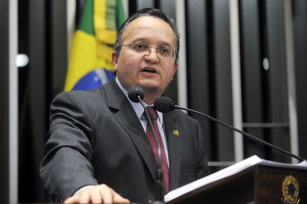 Senador diz que Congresso não pode investigar governo paulista