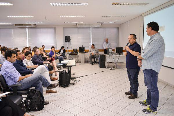Taques e Fávaro comandam reunião sobre redução dos custos da máquina administrativa de Mato Grosso
