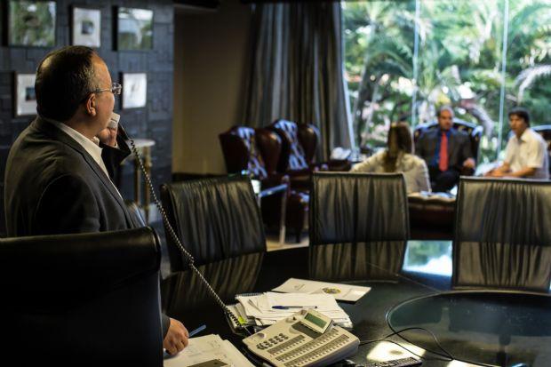 Após 'folga', Pedro Taques inicia nova etapa do mandato em reuniões estratégicas com secretários