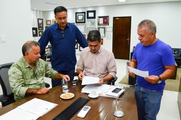 Pinheiro recebe pedido de intervenção e defende 'força-tarefa' após suspensão de atendimentos na Santa Casa