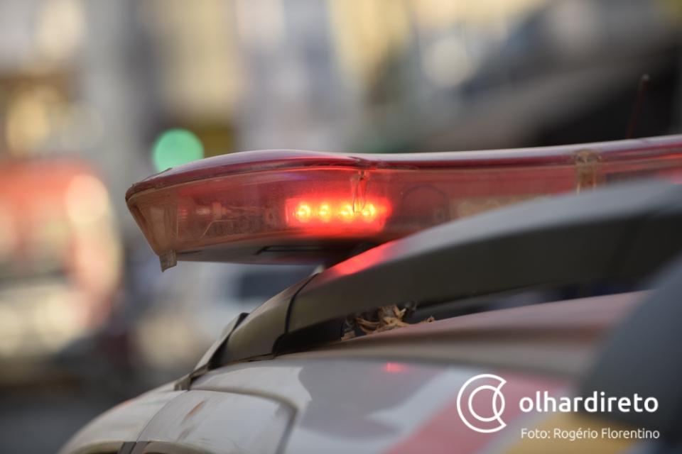 Operação apreende veículos e identifica foragidos da justiça atuando no transporte clandestino de passageiros