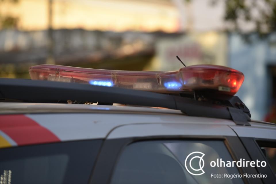 Homem fica com maxilar dilacerado após fazer 'roleta russa' com arma de fogo