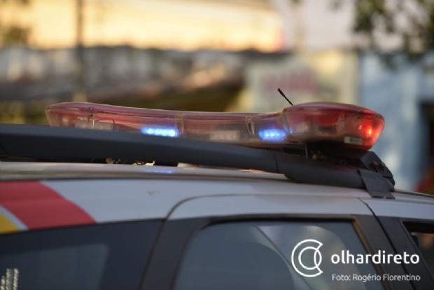 Jovem de 24 anos é arrastada nua no meio da rua e agredida por prima do ex-marido