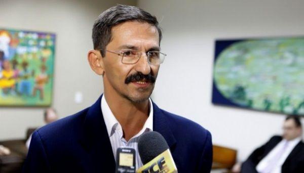 Prefeito de Tangará da Serra e médicos em conflito por causa de plantões no hospital municipal