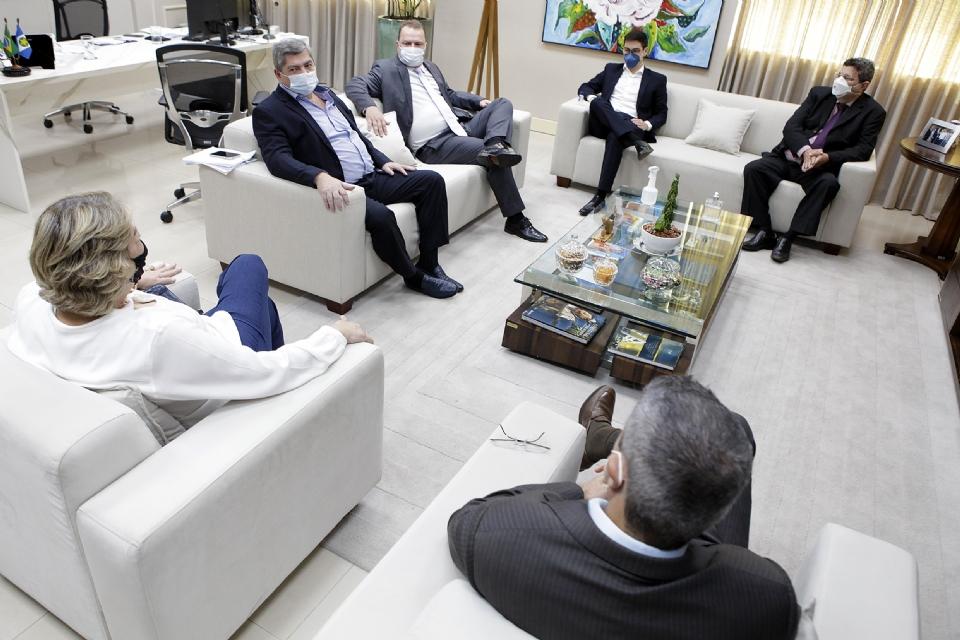 Presidentes dos poderes se reúnem para alinhar trabalhos para o segundo semestre