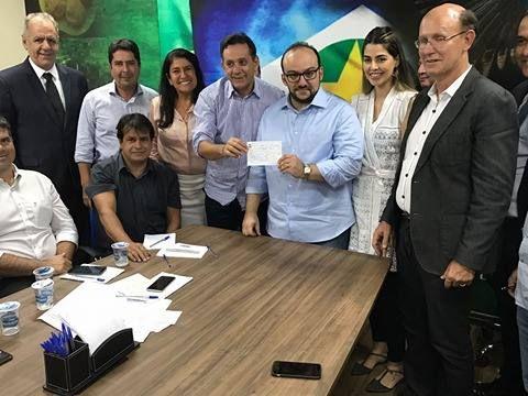 Eduardo Mahon se filiou ao PSDB e já chegou
