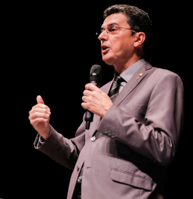 Ságuas Moraes não se anima a continuar na vida pública nem mesmo com a provável candidatura do ex-presidente LULA