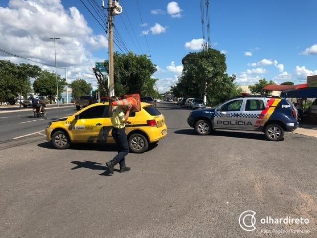 Semob inicia fiscalização com multa em estacionamentos da Praça Popular, Shopping Estação e Big Lar