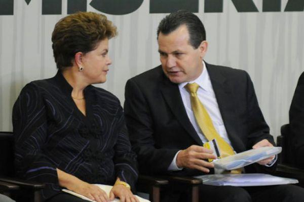 Dilma insere BR 174 entre Colniza e Castanheira no PAC, anuncia Silval
