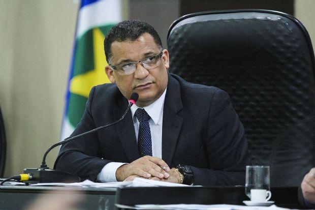 """Deputado e secretário-geral do PMDB recebe """"soltura"""" de Silval com surpresa e a avalia como tardia"""