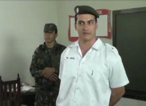 Tenente do Exército Brasileiro não aceita toque de recolher e atira várias vezes em praça pública