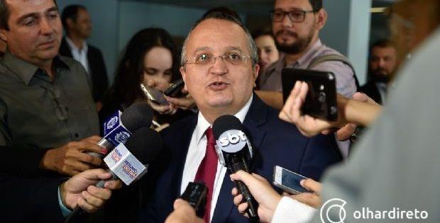 Taques cumprimenta Mauro por vitória e diz que continuará com entusiasmo trabalho em Governo