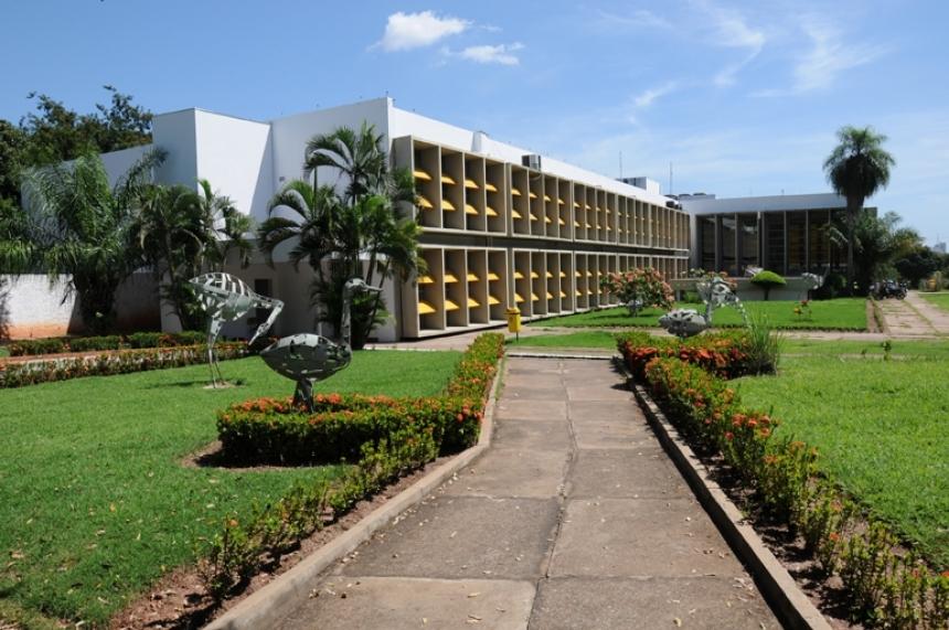 Após corte de 13 milhões, reitor da UFMT relata dificuldades para manter o funcionamento da universidade