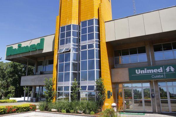 MPE apura se existe acúmulo de cargos e danos ao erário por membros da administração da Unimed Cuiabá