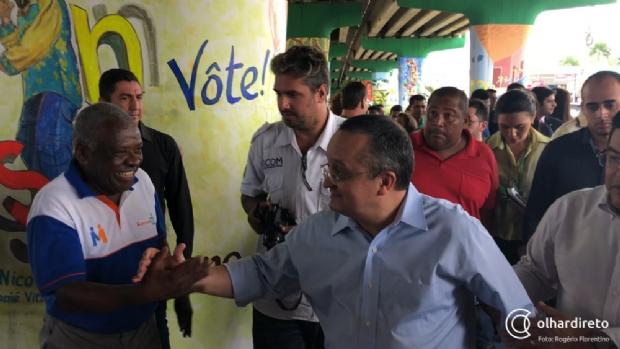 Taques afirma torcer para que ministro Blairo Maggi continue na política
