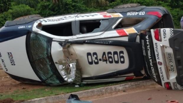Dois policiais militares ficam feridos em acidente entre viatura e carro de passeio