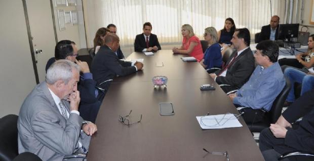 Selma Arruda e direção da Polícia Civil debatem ações para fiscalização na fronteira