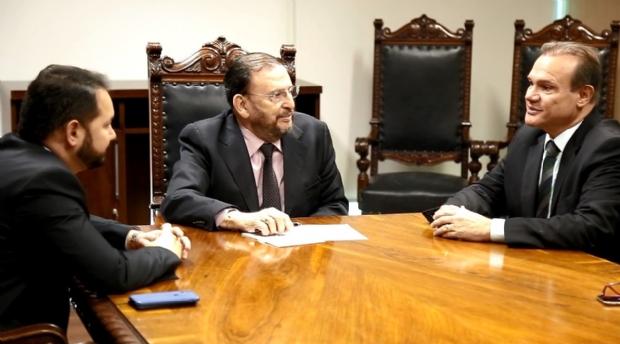 Em reunião com WF, ministro anuncia ordem de serviço para conclusão de obra de travessia urbana