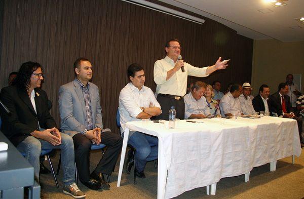 Wellington Fagundes participou da posse de secretários da Prefeitura de Várzea Grande
