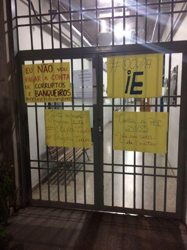 UFMT Ocupada