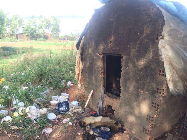 Corpo de morador de rua é encontrado carbonizado dentro de forno abandonado;  fotos