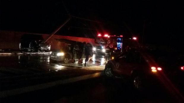 Acidente envolvendo Corolla deixa vítimas presas entre as ferragens na Estrada da Guarita