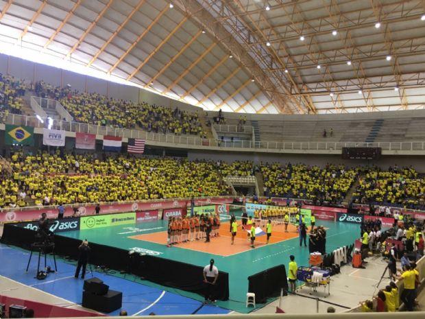 Brasil vence mais uma em Cuiabá e aguarda os Estados Unidos no domingo;  veja como foi e fotos