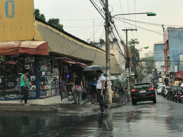 Calor em Cuiabá é amenizado com chuva durante a tarde; veja previsão para o fim de semana