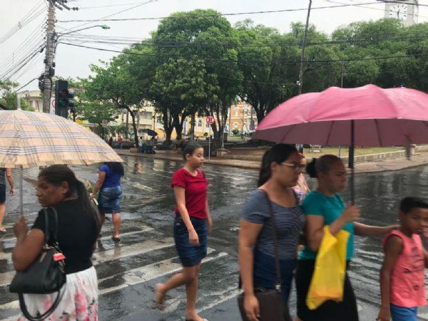 Feriado prolongado será marcado por altas temperaturas e pancadas de chuva em Cuiabá;  veja previsão