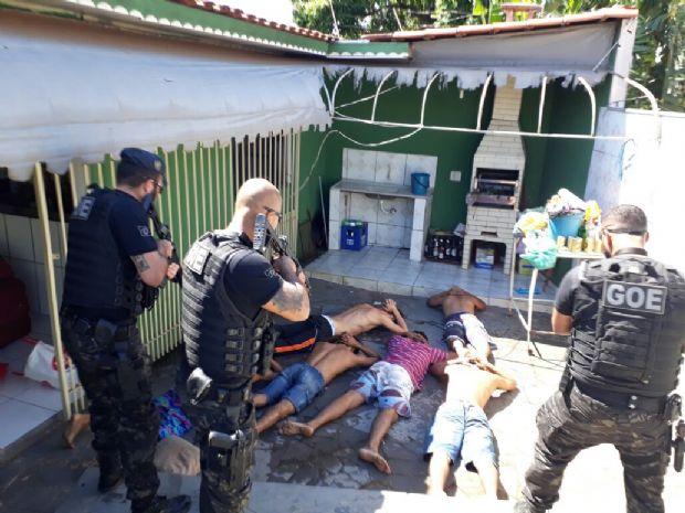 Polícia prende mais seis dos 27 detentos que fugiram após explosão em presídio