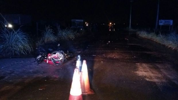 Dois morrem e um fica gravemente ferido em colisão entre duas motos