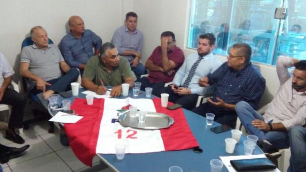 PDT tenta conquistar mais seis partidos para lançar Pivetta ao governo ou compor vice de Mauro