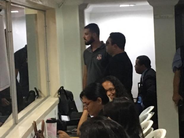 Seguranças na sala de imprensa