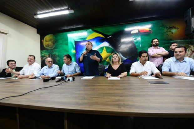 """Taques lança pré-candidatura, prega união e diz que adversários """"fazem o diabo"""" para ganhar eleição"""