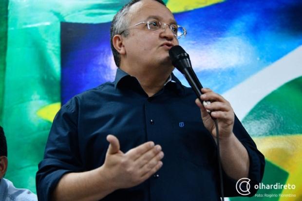 Taques diz que jatinhos são usados para salvar vidas e acusa Mauro Mendes de desconhecer MT