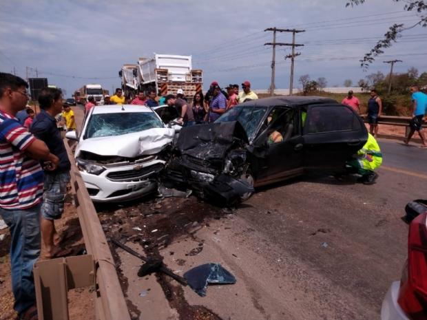 Motorista morre e três ficam feridos durante colisão na Rodovia dos Imigrantes