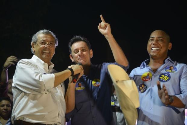 """Sem Fávaro no palanque, Jayme pede voto para Leitão: """"pode apostar"""";  veja vídeo"""