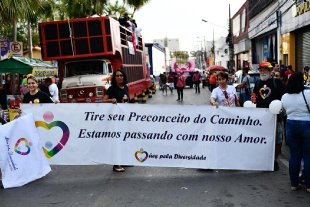 Parada da diversidade em Cuiabá tem tema político: